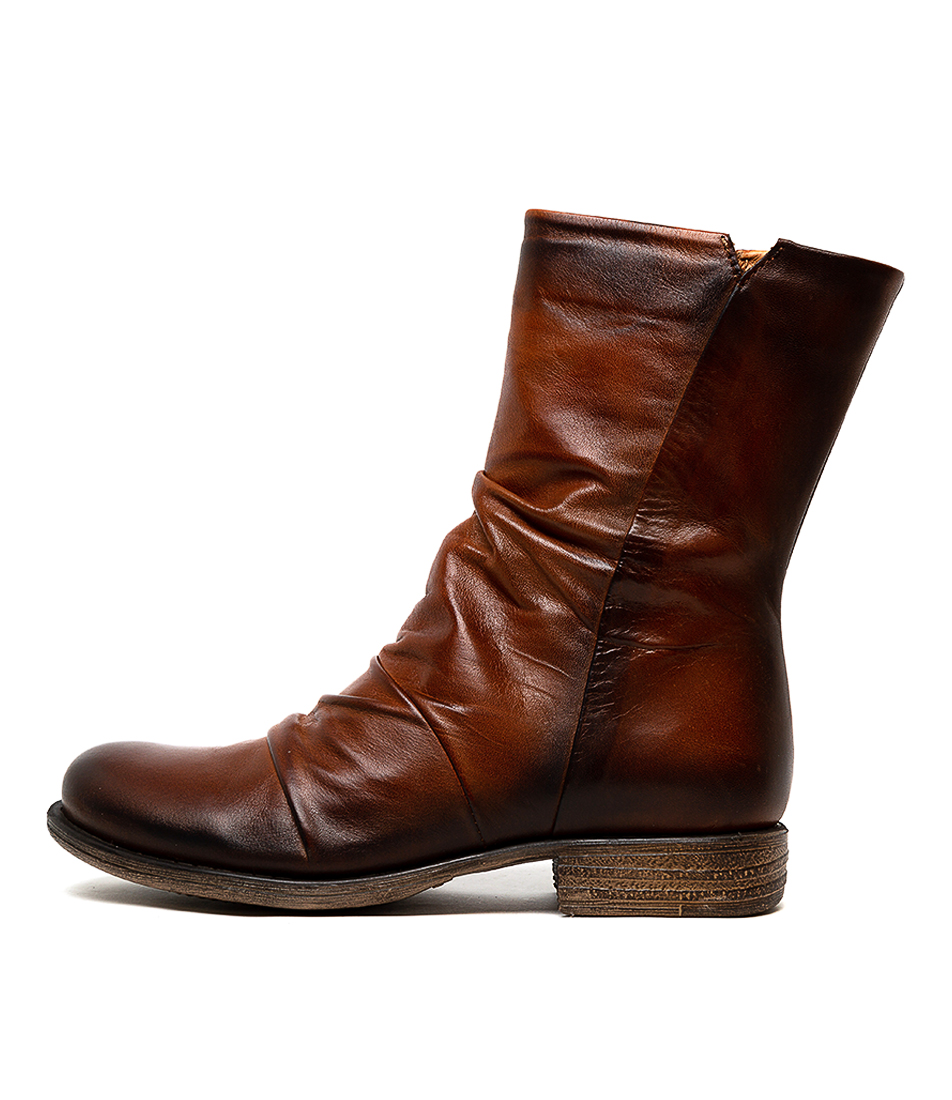 Buy Eos Winds W Antique Brandy Calf Boots online with free shipping