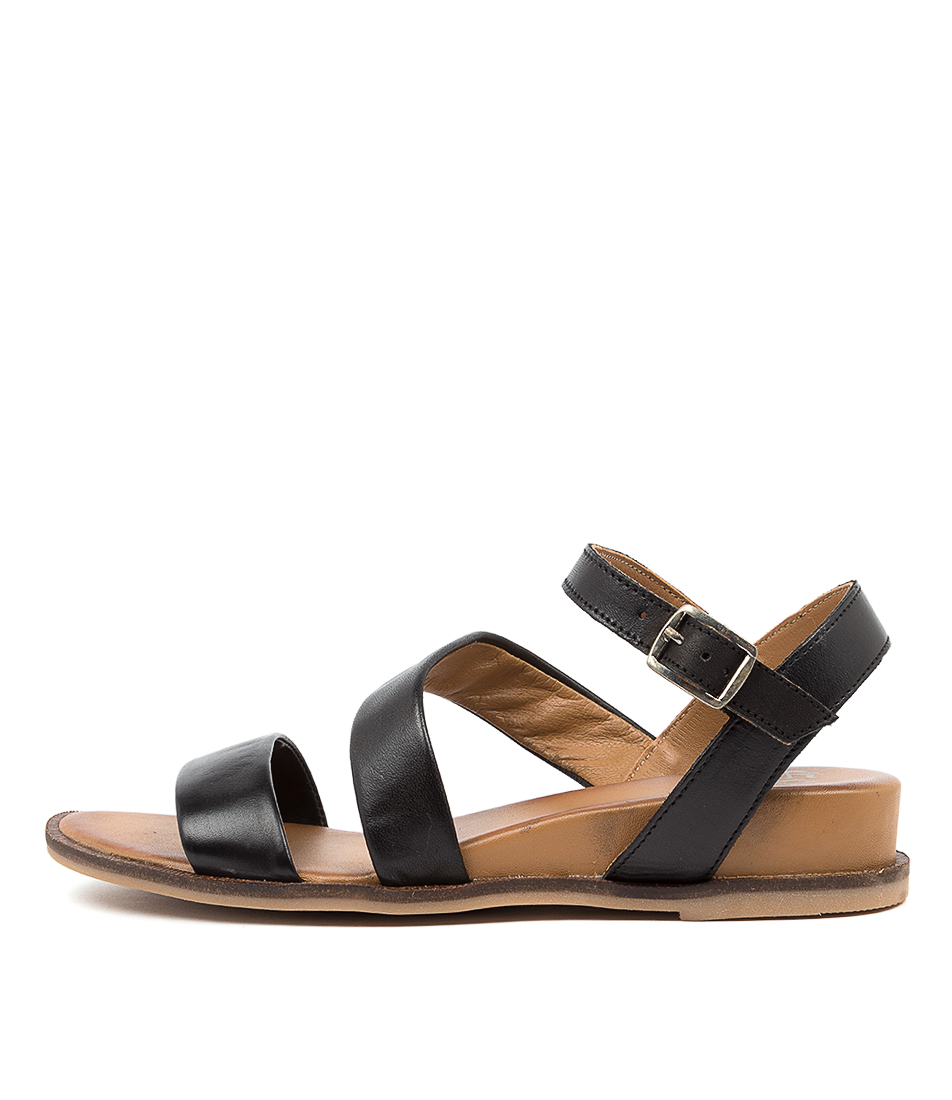 Buy Eos Failyn Eo Black Natural Flat Sandals online with free shipping
