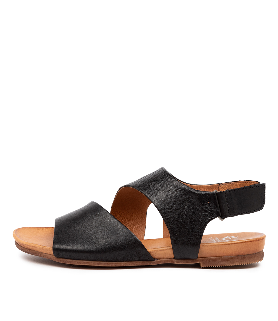 Buy Eos Larnie W Eo Black Flat Sandals online with free shipping