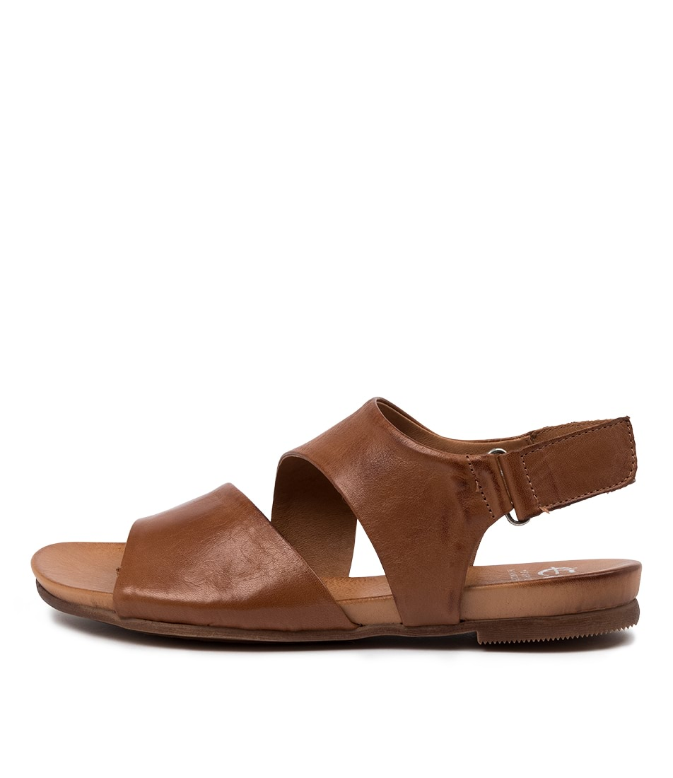 Buy Eos Larnie W Eo Brandy Flat Sandals online with free shipping