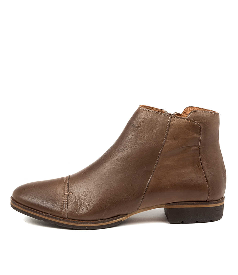 Buy Eos Gaio Eo Brandy Ankle Boots online with free shipping