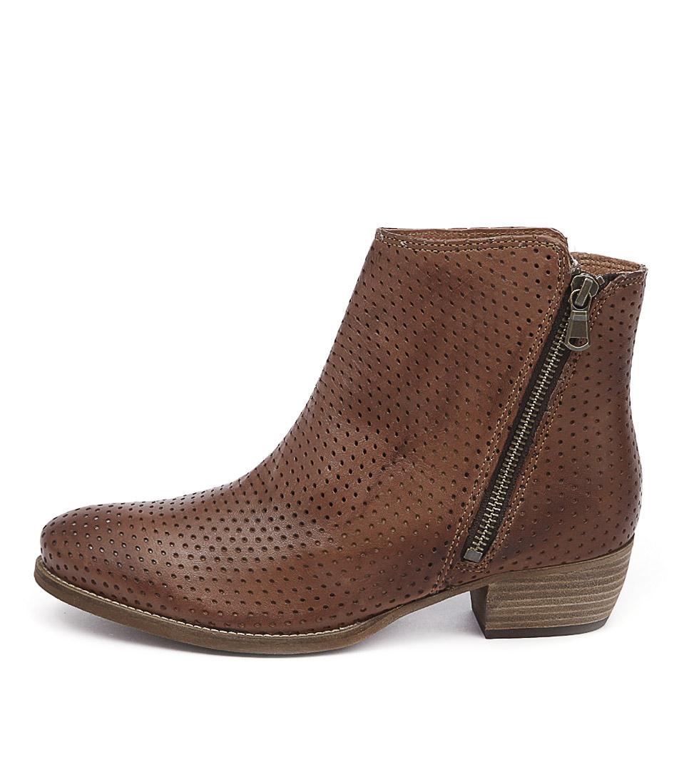 Eos Erin W Brandy Boots