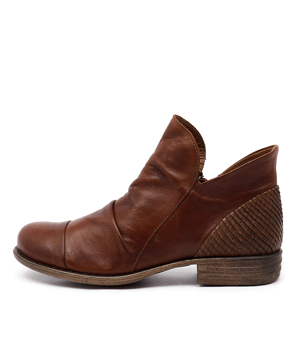 Eos Wilkin Brandy Casual Ankle Boots