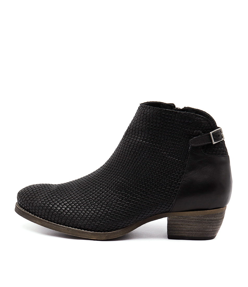 Eos Erisa Black Casual Ankle Boots
