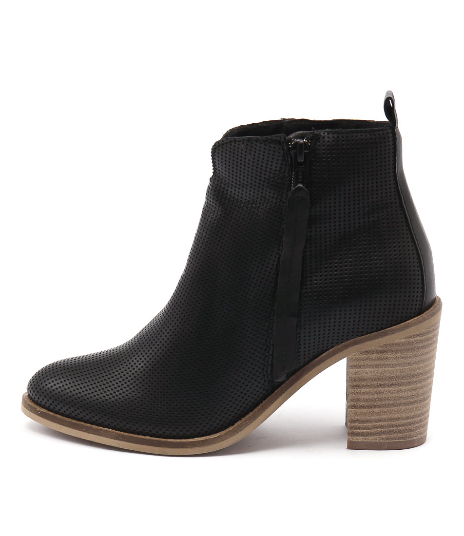 Eos Notan Black Ankle Boots