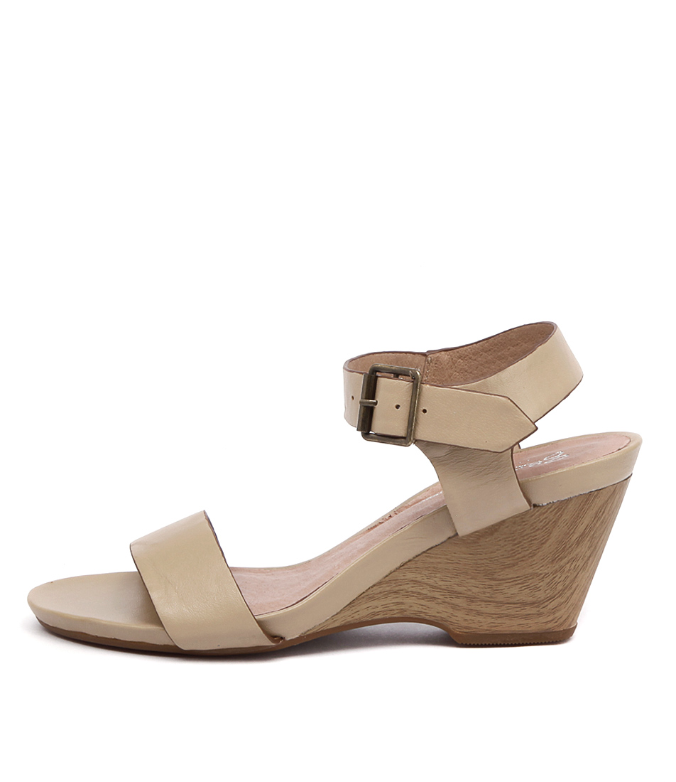 Gamins Lars Latte Heeled Sandals