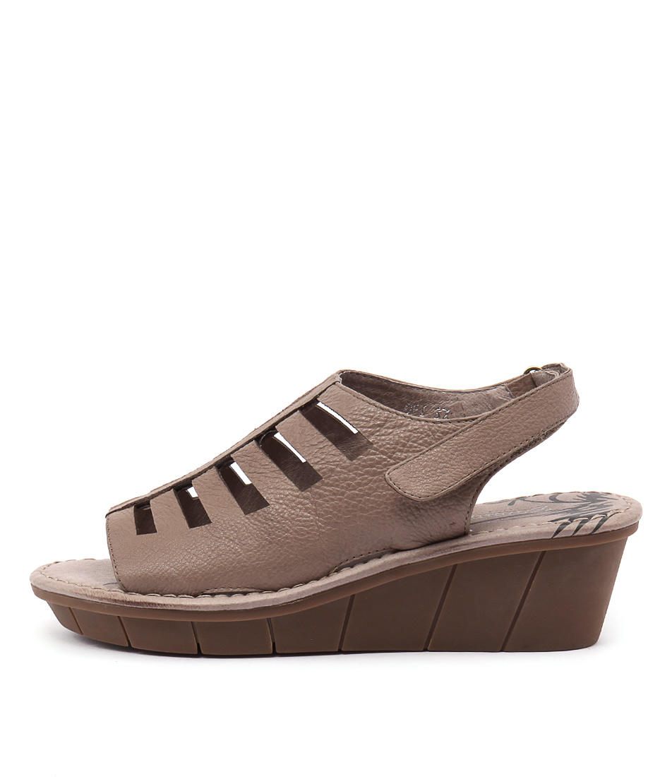 Gamins Opi Taupe Casual Heeled Sandals