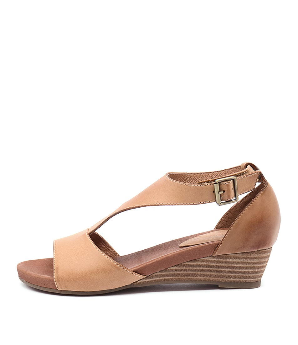 Gamins Ramp Tan Cognac Casual Heeled Sandals