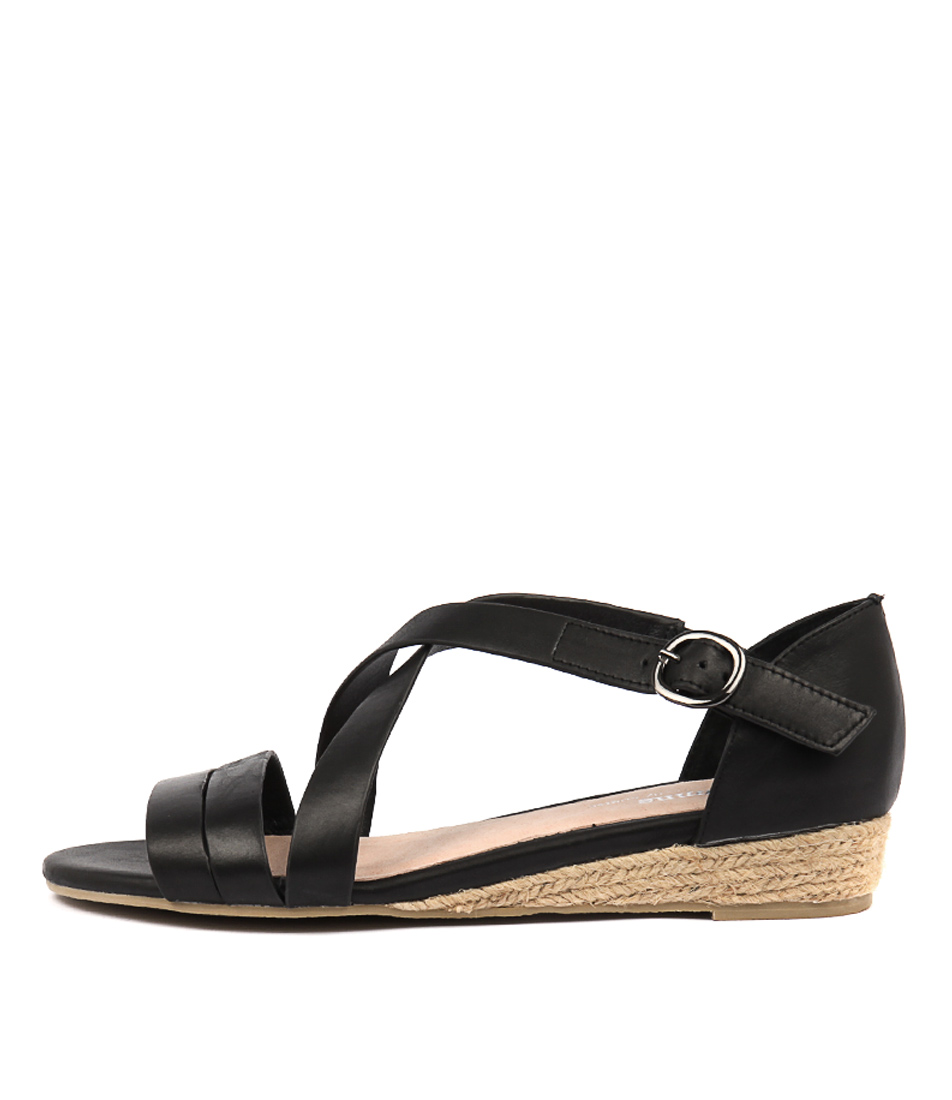 Buy Gamins Candes Black Flat Sandals online with free shipping