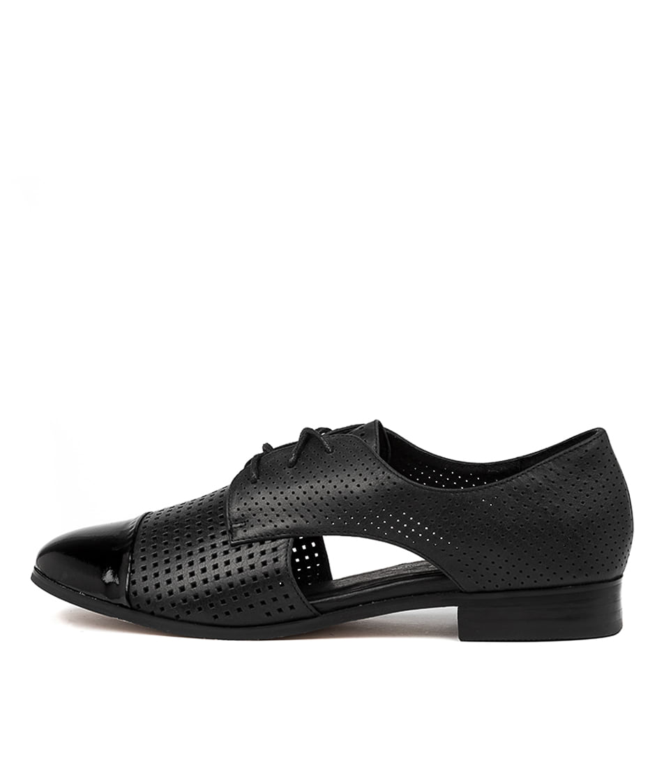Buy Gamins Jupp Black Corporate Flats online with free shipping