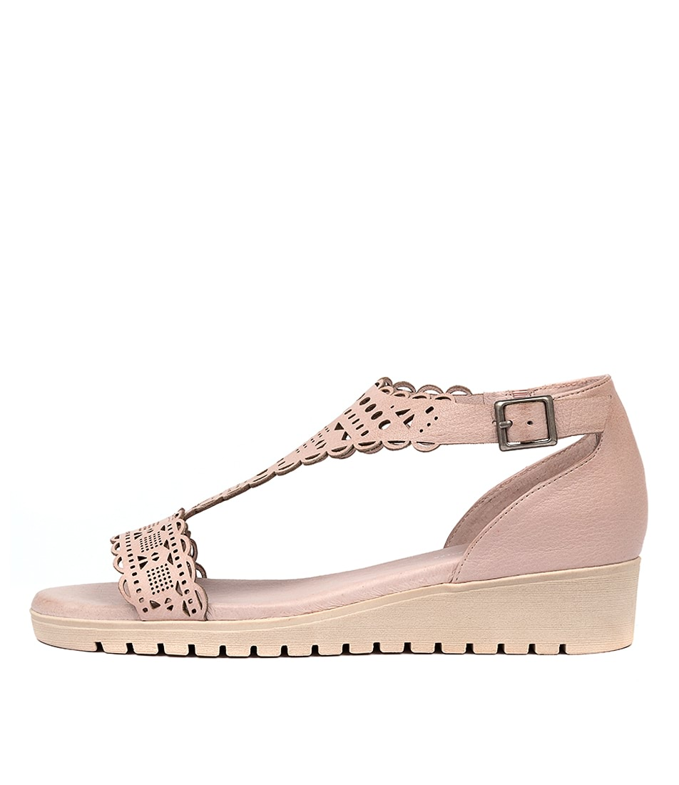 Buy Gamins Furman Pale Pink Pale Flat Sandals online with free shipping
