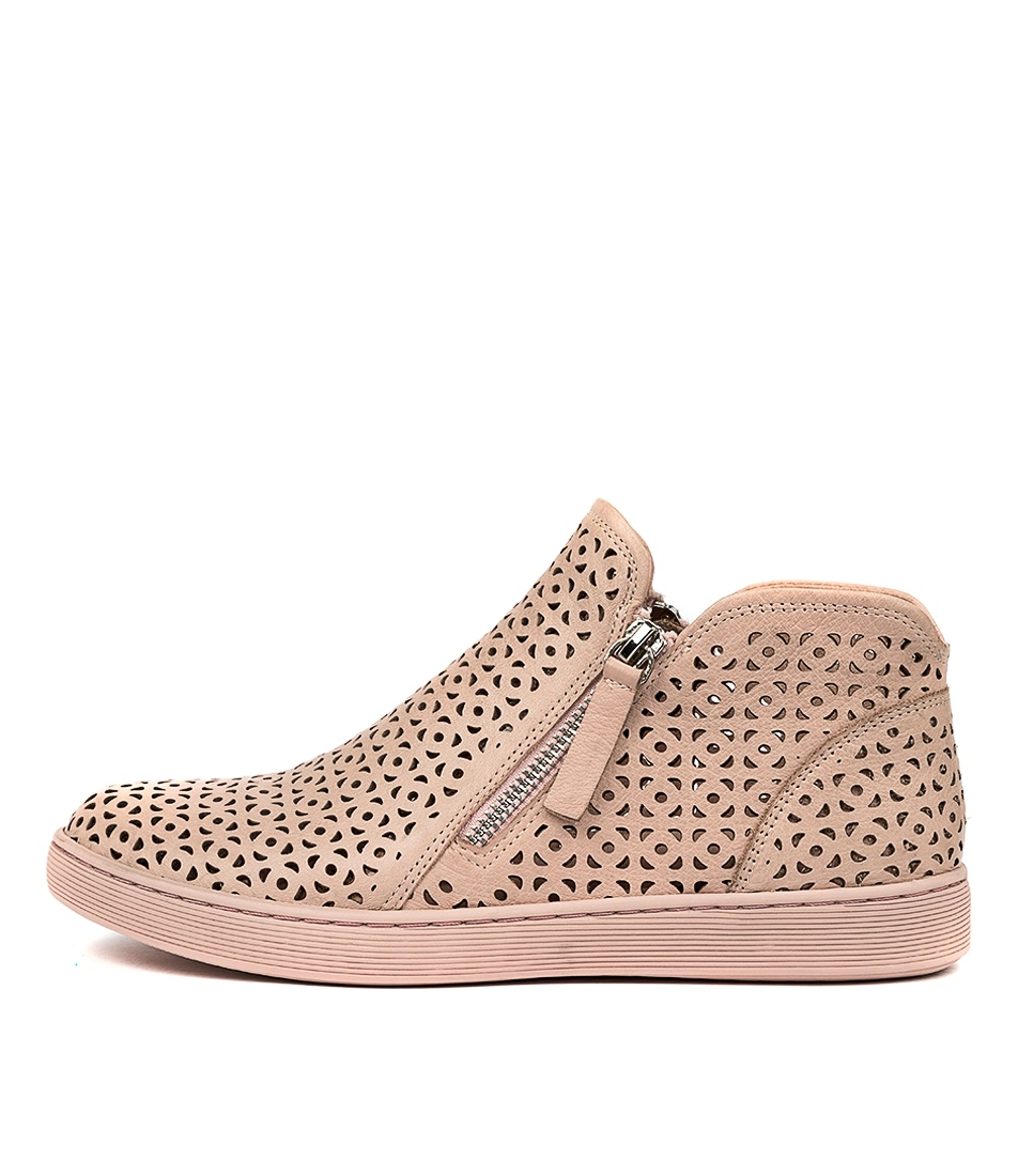 Buy Gamins Darrick Gm Pale Pink Sneakers online with free shipping