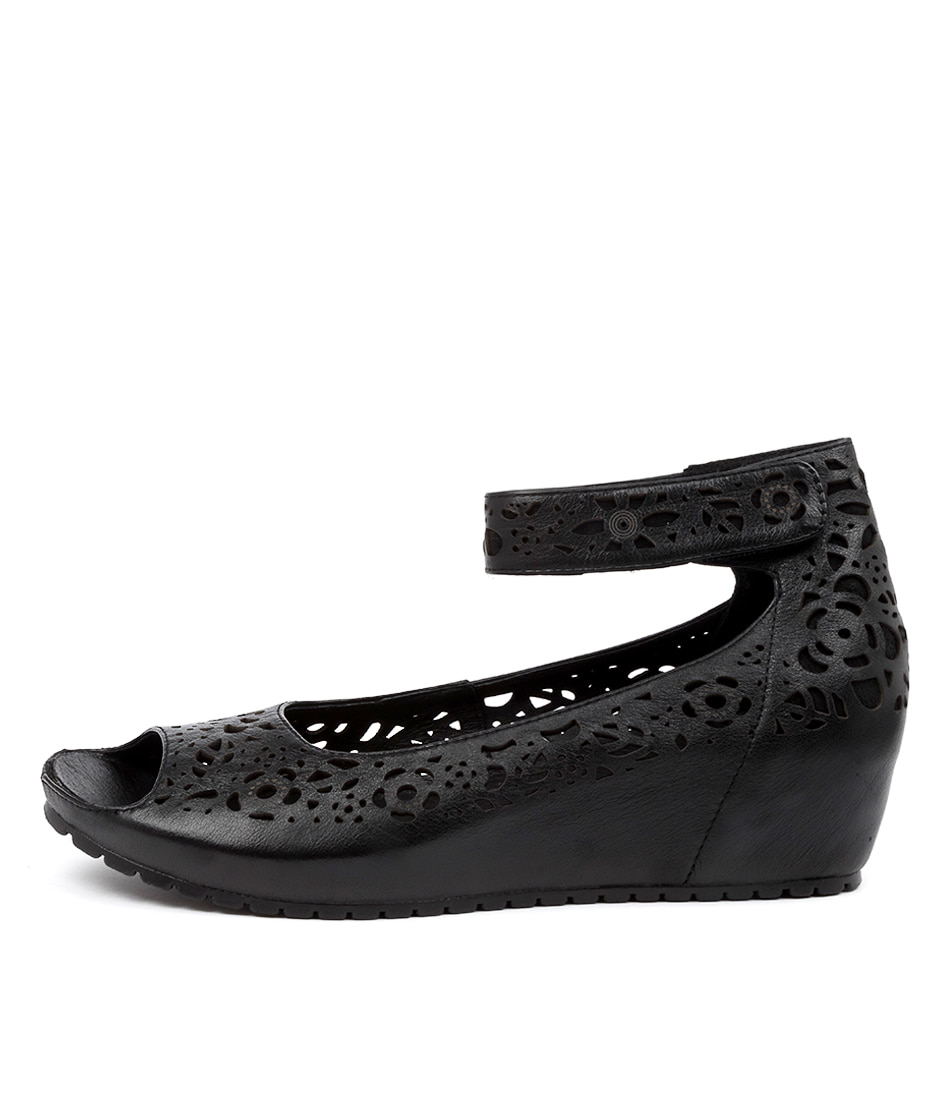 Buy Gamins Izola Gm Black Heeled Sandals online with free shipping