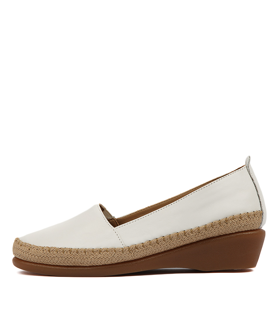 Buy Hush Puppies Tune Hp White Flats online with free shipping