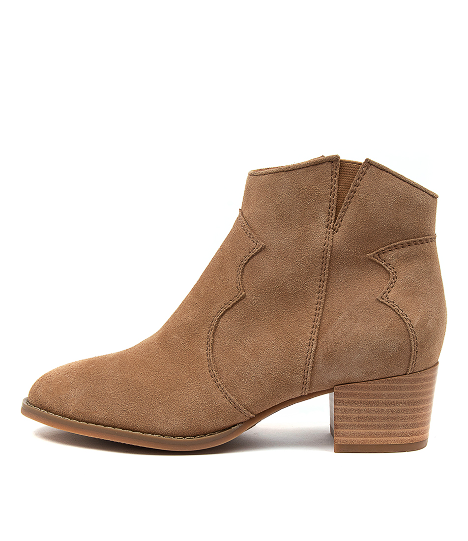 Buy Hush Puppies Chai Hp Camel Ankle Boots online with free shipping