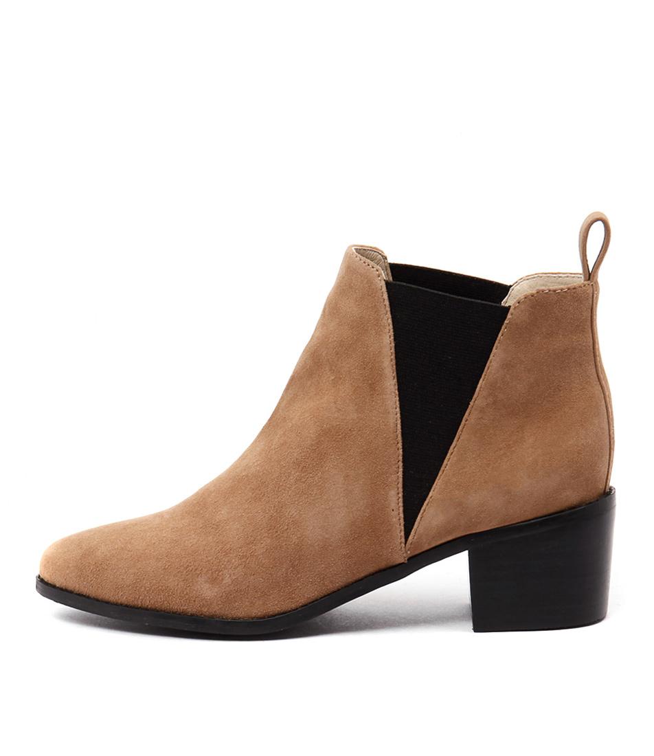 Human Premium Dena Hu Tan Boots
