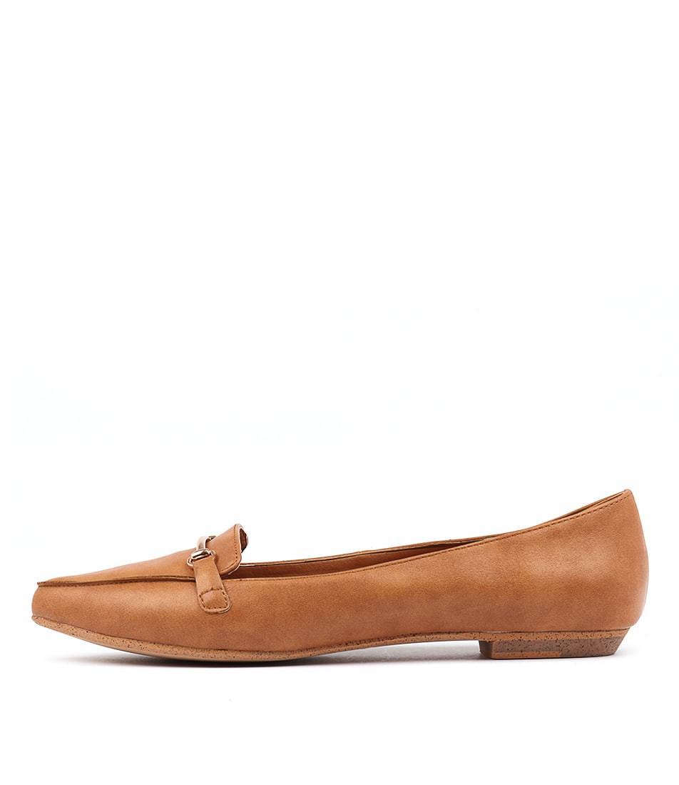 I Love Billy Branca Tan Flat Shoes