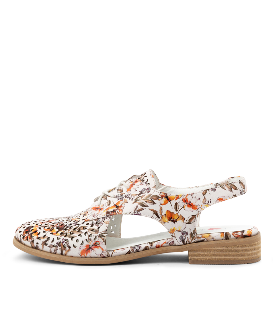 Buy I Love Billy Qaimo Il White Freesia Flats online with free shipping