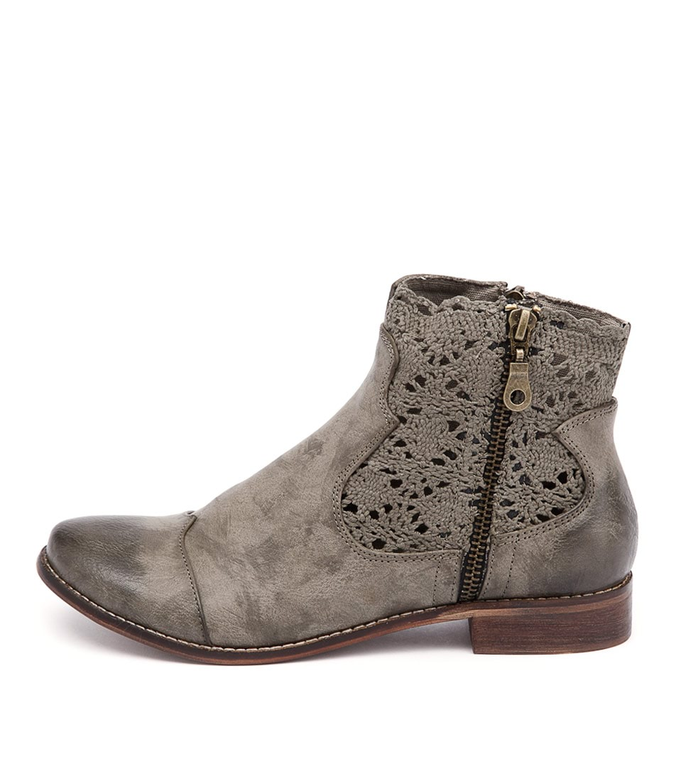 I Love Billy Flutter Sage Casual Ankle Boots