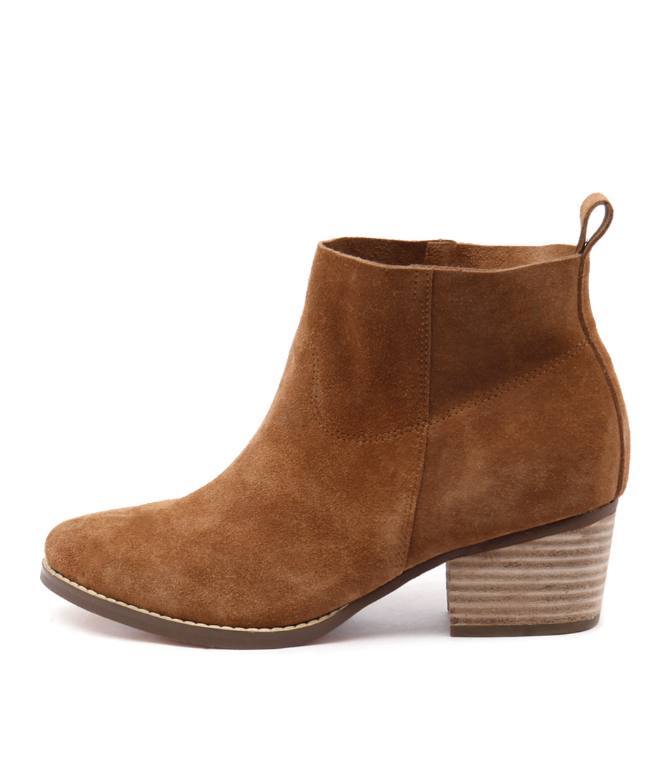 I Love Billy Lasey Tan Ankle Boots