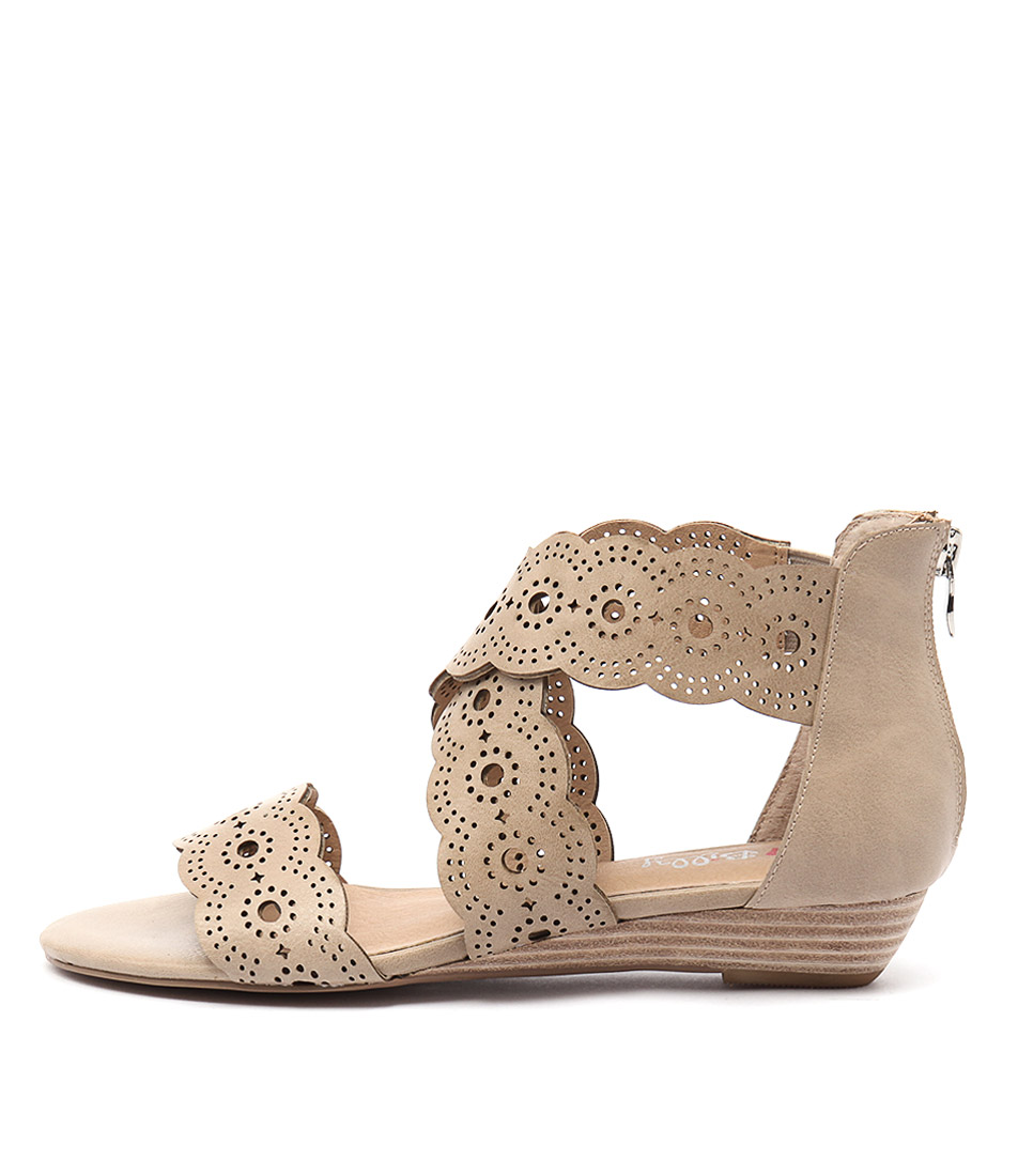 I Love Billy Motto Latte Casual Flat Sandals