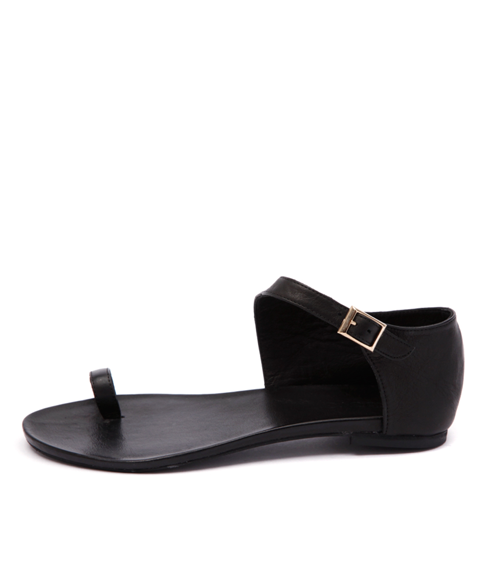 Inuovo Hespera W Black Casual Flat Sandals
