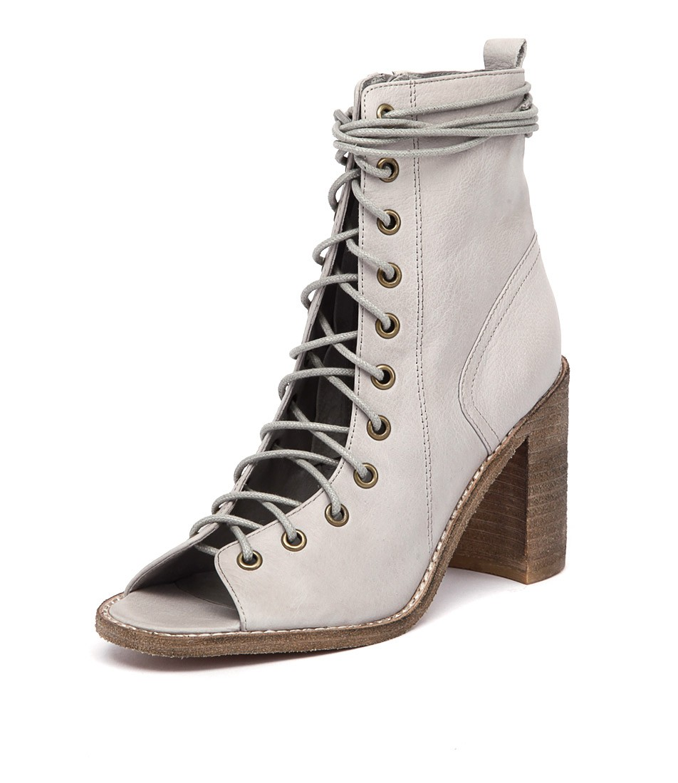 J  Misty Shoes Womens