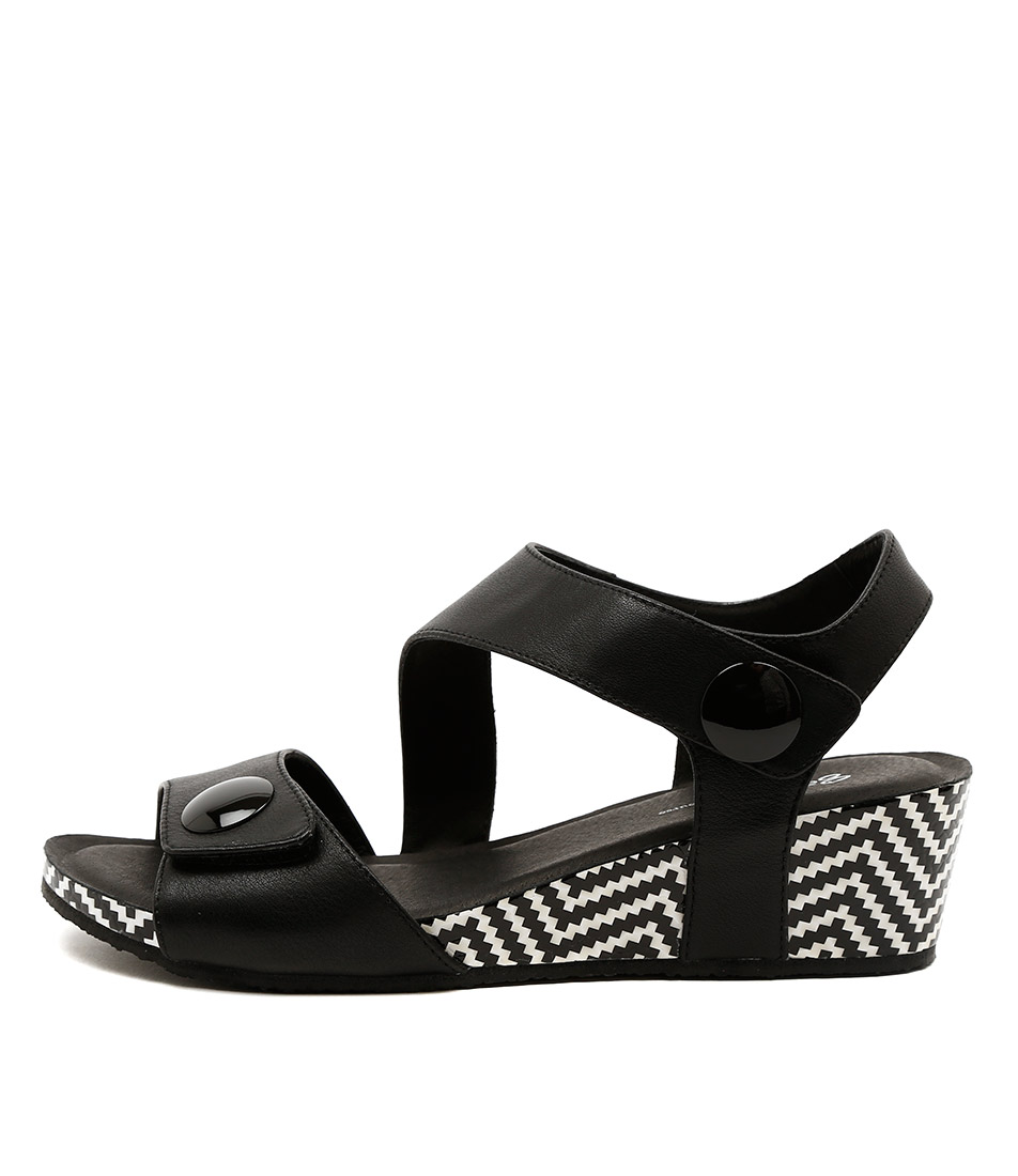 Gamins Lala Black Black Casual Heeled Sandals