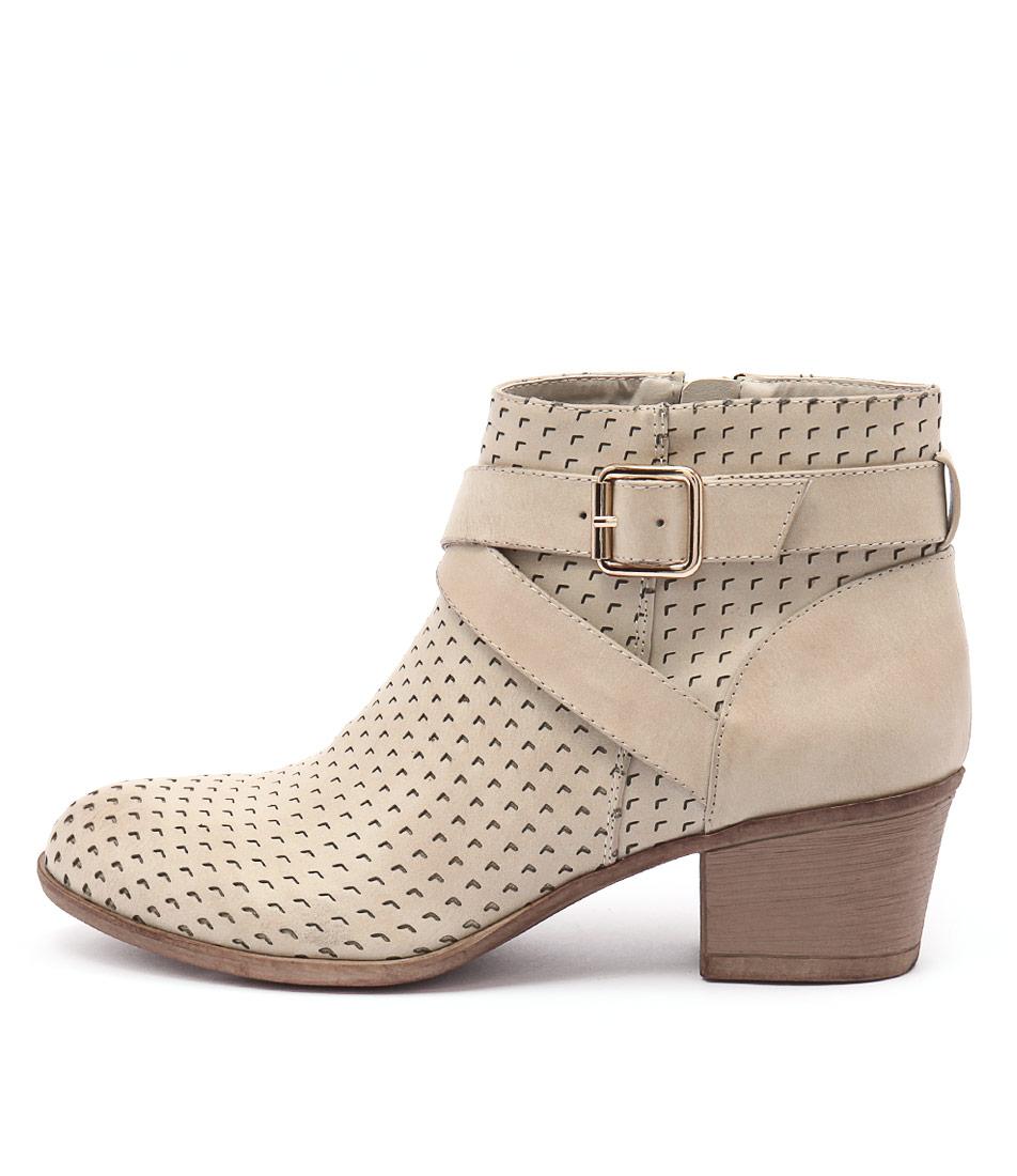 Lavish Lauren Lv Beige Boots