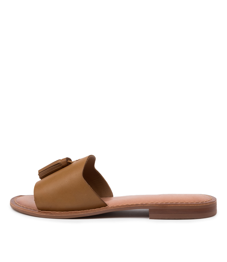 Buy Los Cabos Ami W Lc Tan Flat Sandals online with free shipping