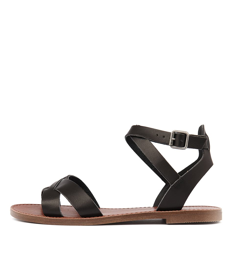 Lipstik Basement Black Sandals