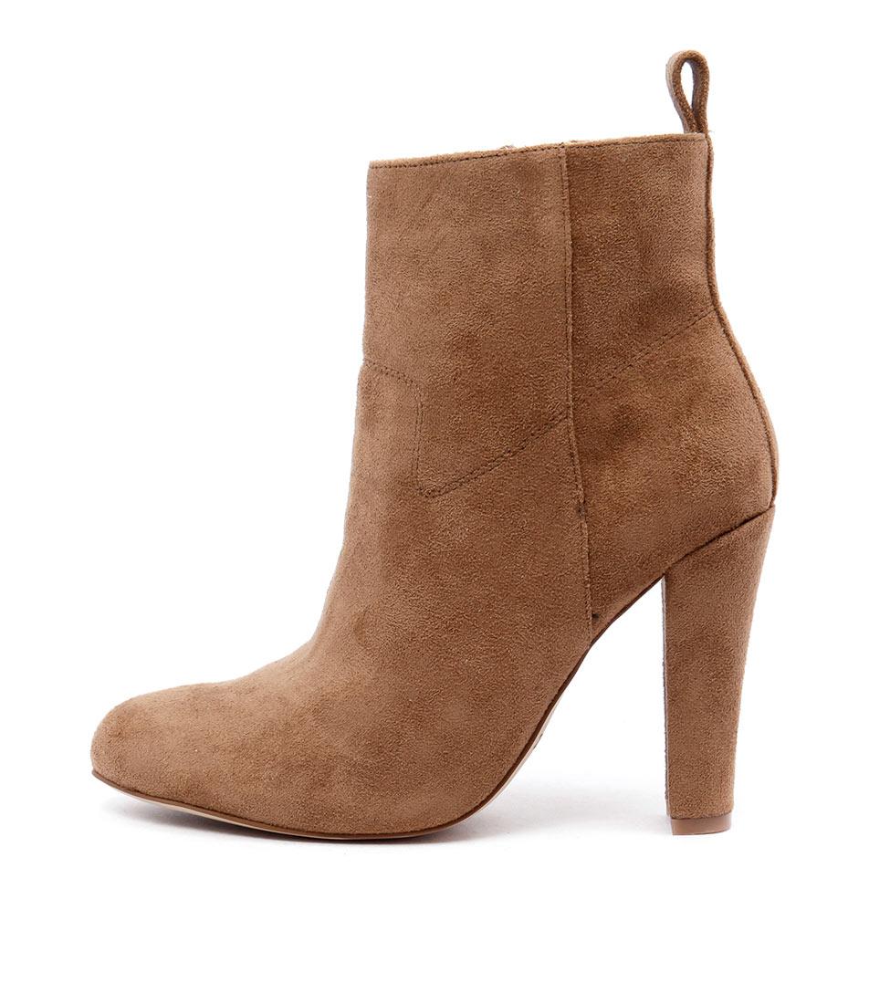Lipstik Secrets Tan Ankle Boots