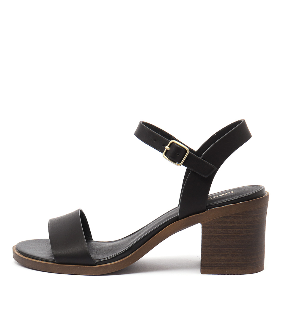 Lipstik Basik Black Sandals