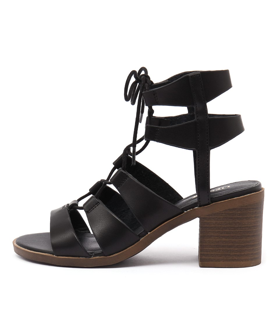 Lipstik Billion Li Black Sandals
