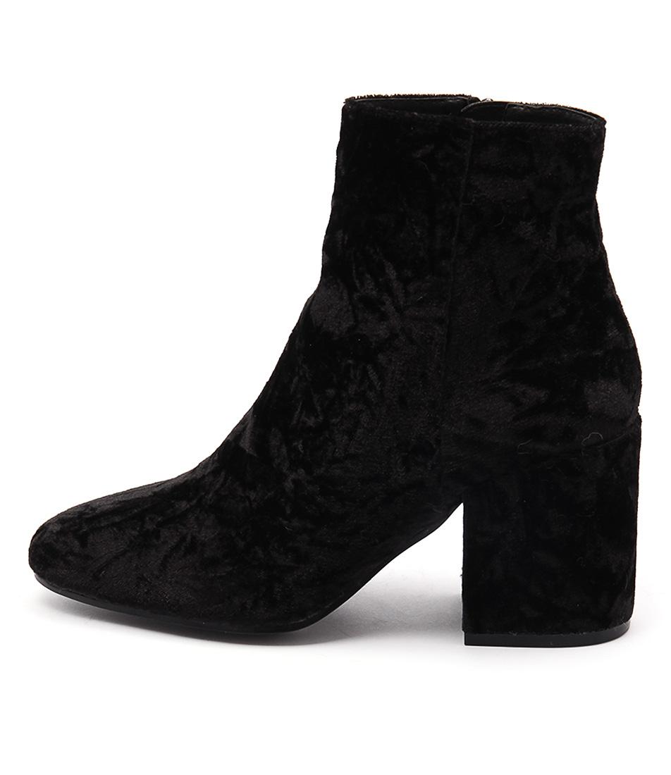 Lipstik Sparks Li Black Ankle Boots