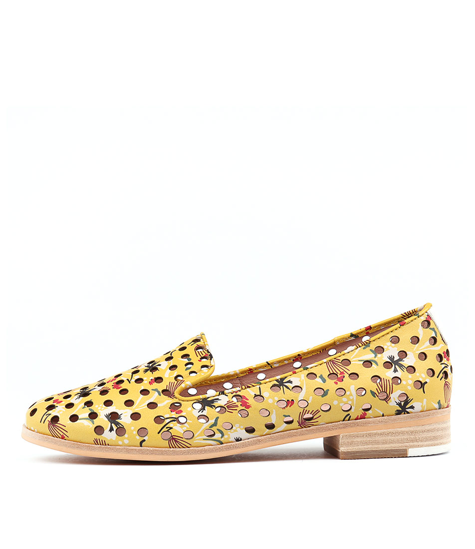 Mollini Quintity Sunny Floral Wh Flat Shoes