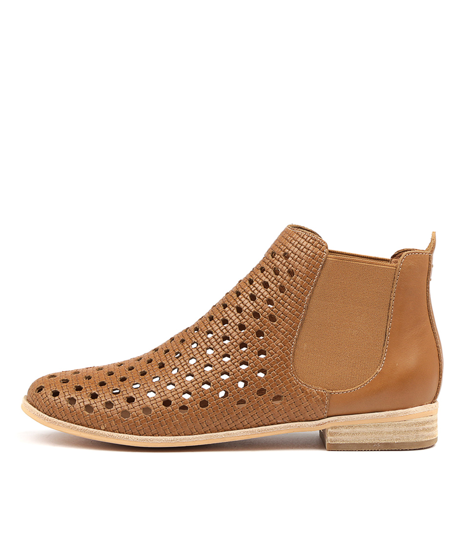 Mollini Questol Tan Ankle Boots