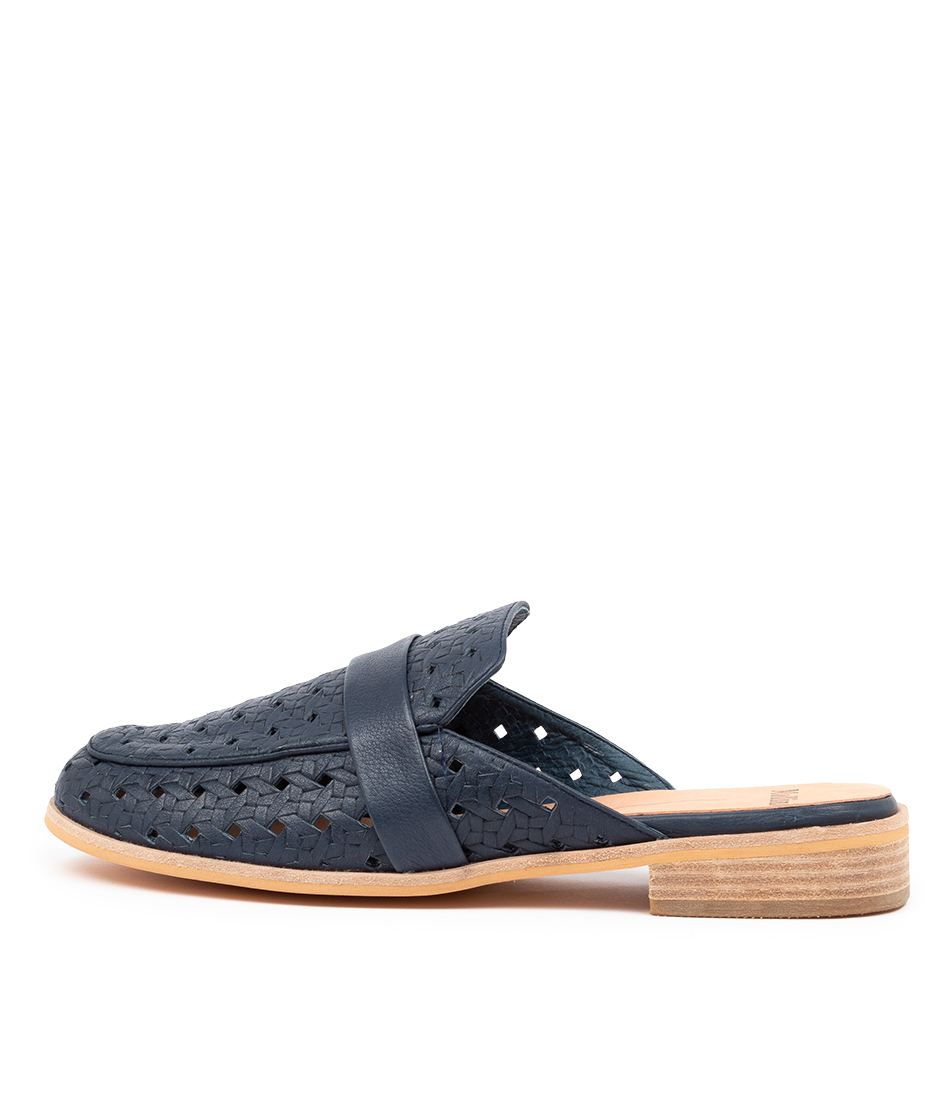 Buy Mollini Qenine Mo Navy Flats online with free shipping