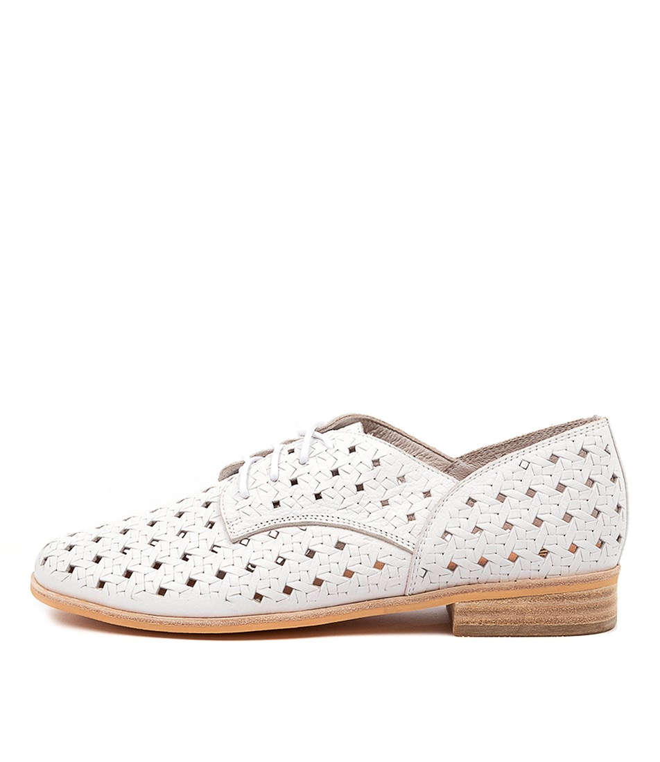 Buy Mollini Qleva Mo White Flats online with free shipping
