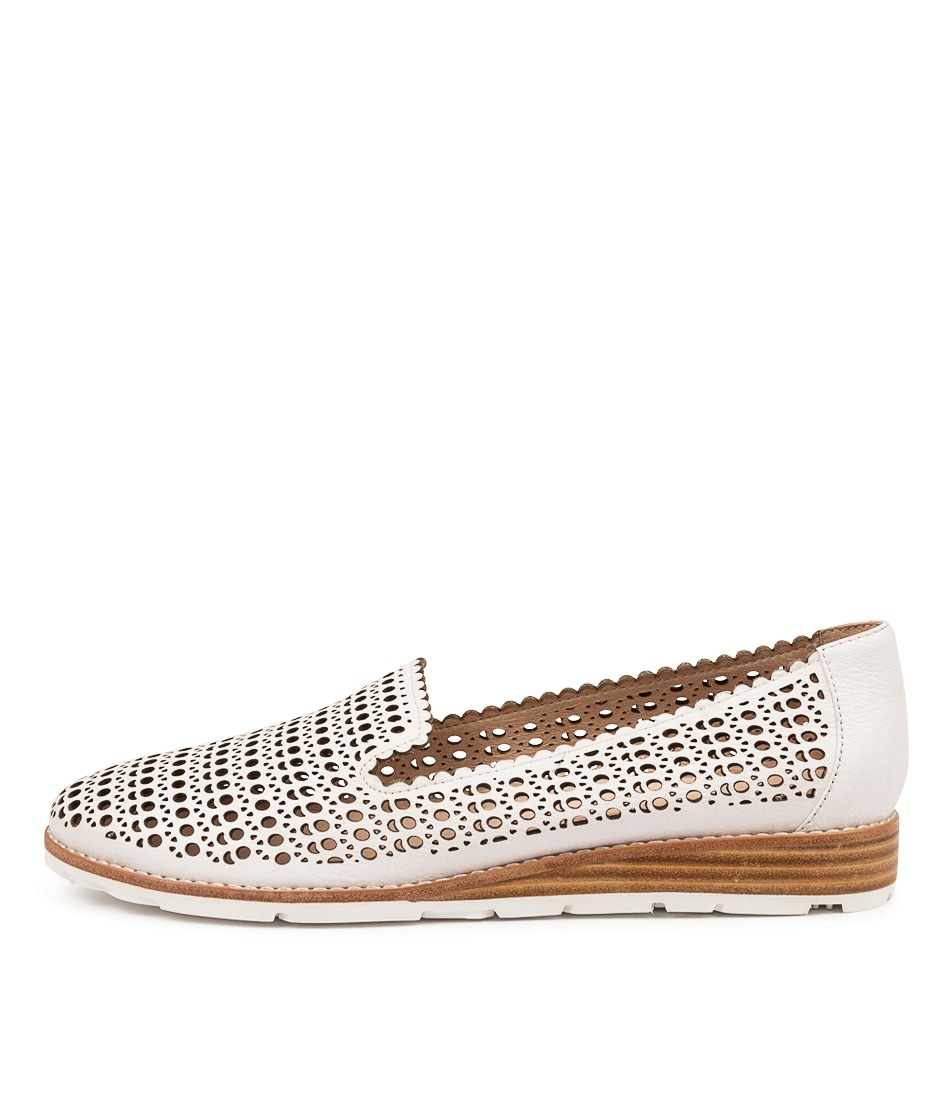 Buy Mollini Quefty Mo White Flats online with free shipping