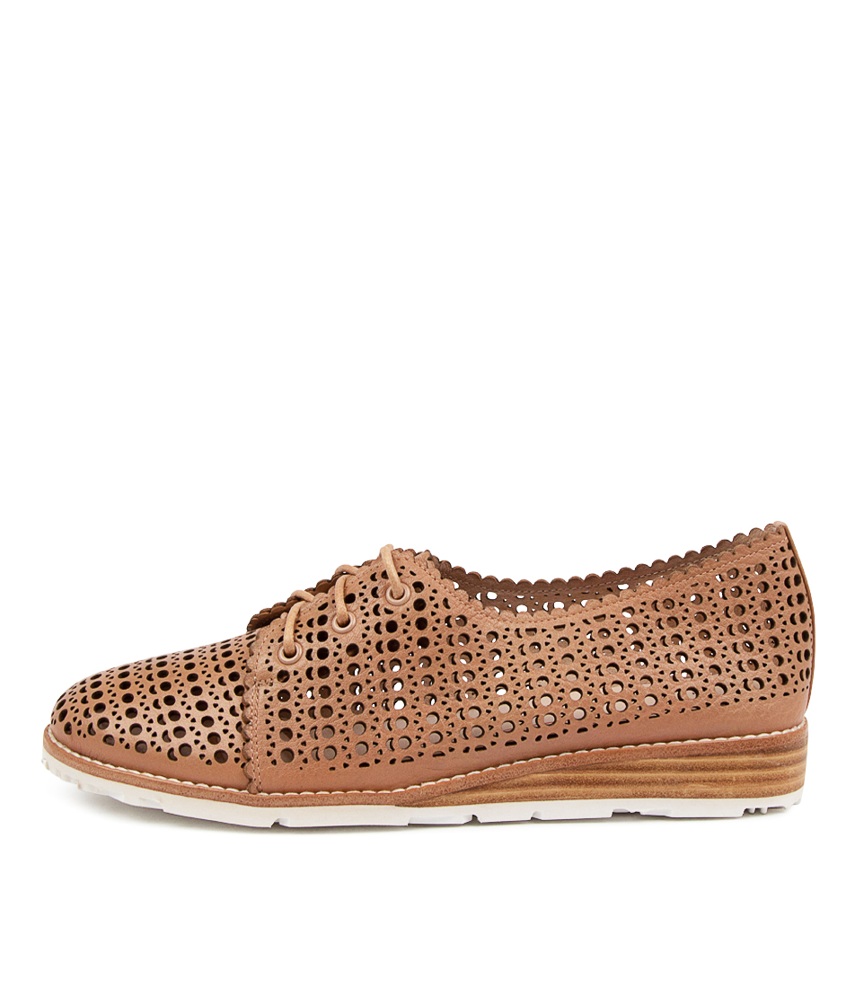Buy Mollini Quarti Mo Cafe Flats online with free shipping