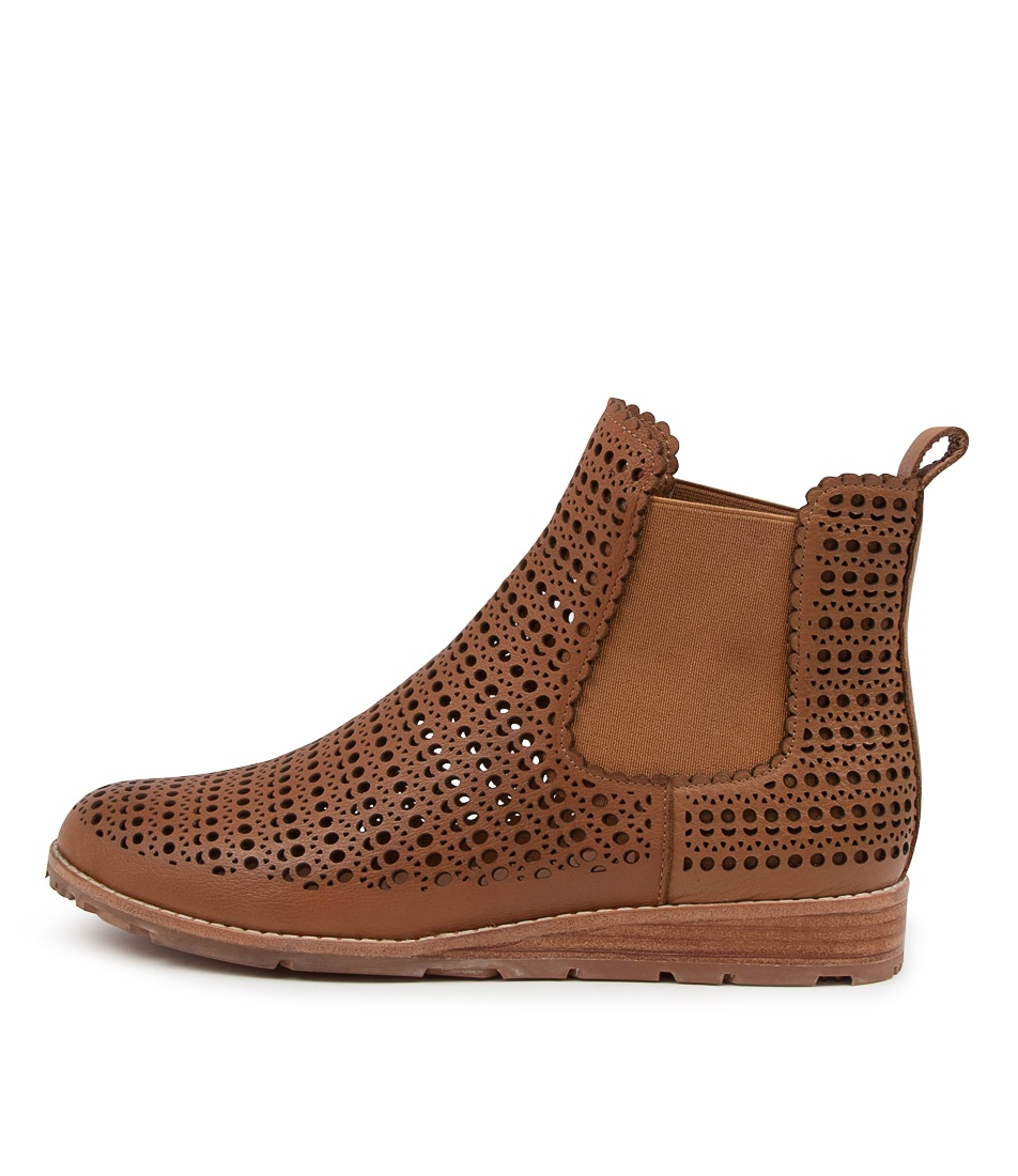 Buy Mollini Qitsy Mo Dk Tan Tan Sole Ankle Boots online with free shipping