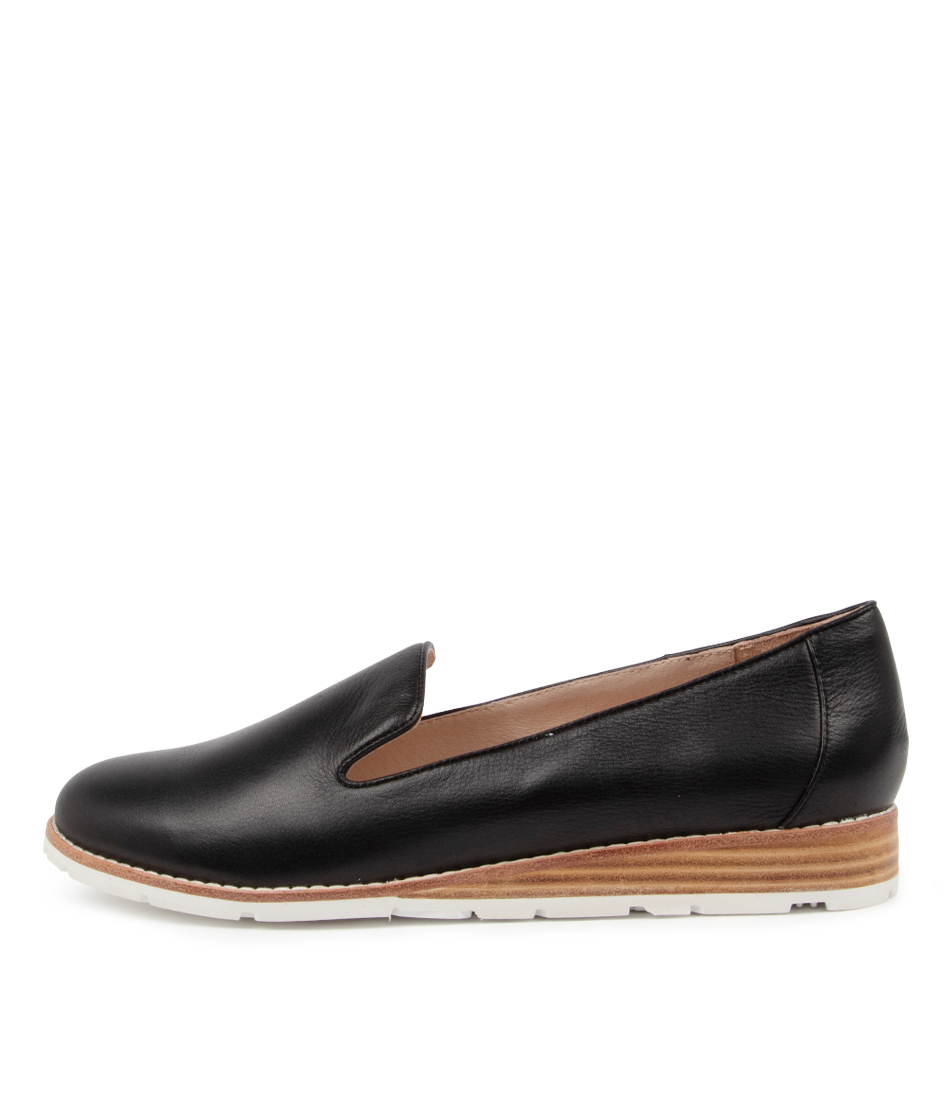 Buy Mollini Quiley Mo Black Flats online with free shipping