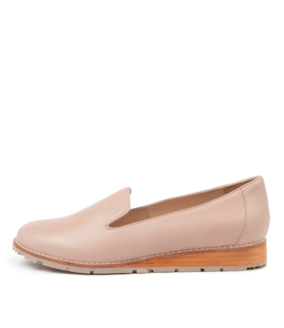 Buy Mollini Quiley Mo Rose Rose Sole Flats online with free shipping