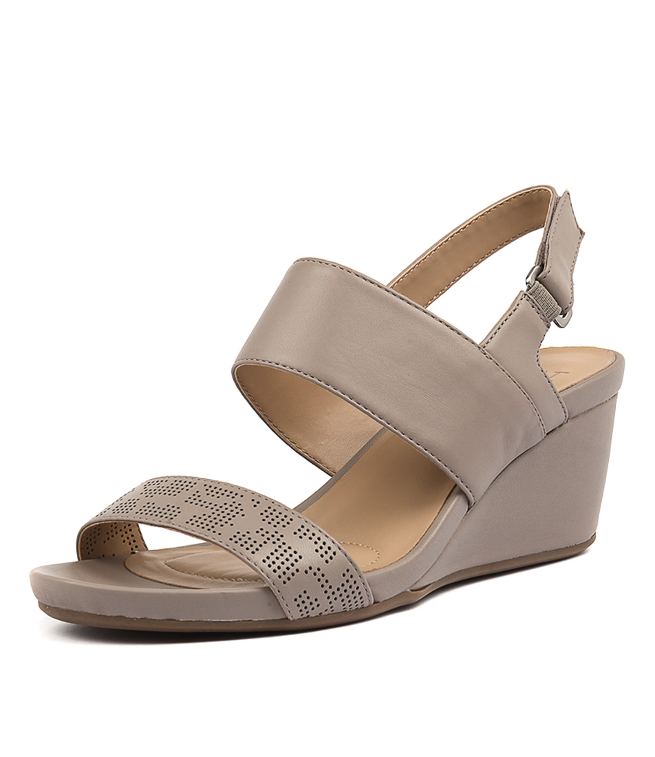 Naturalizer Callas Turtledove Sandals