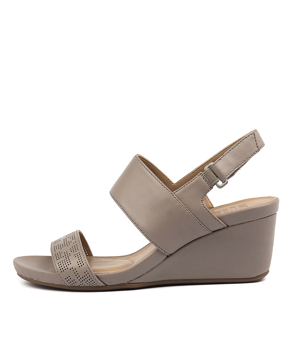 Naturalizer Callas Turtledove Casual Heeled Sandals