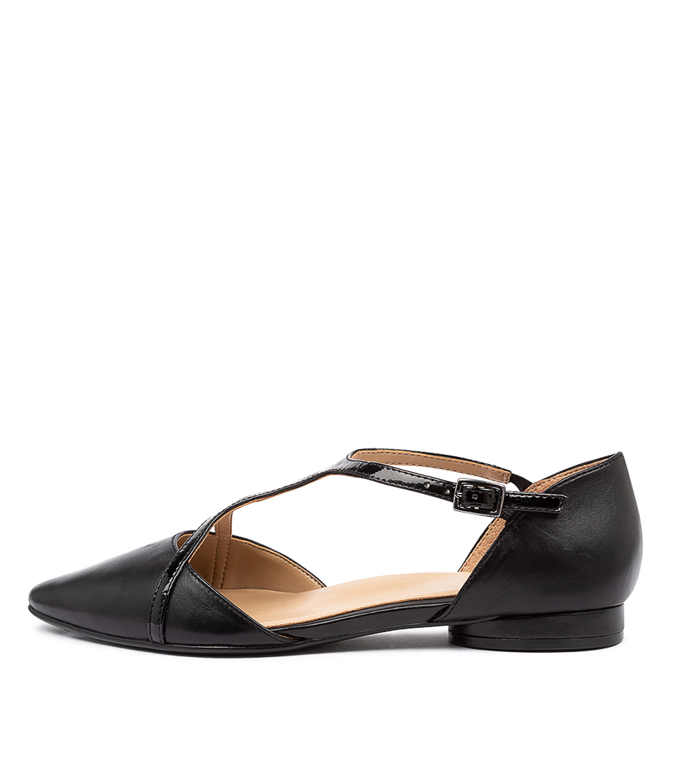 Buy Naturalizer Hana Na Black Flats online with free shipping