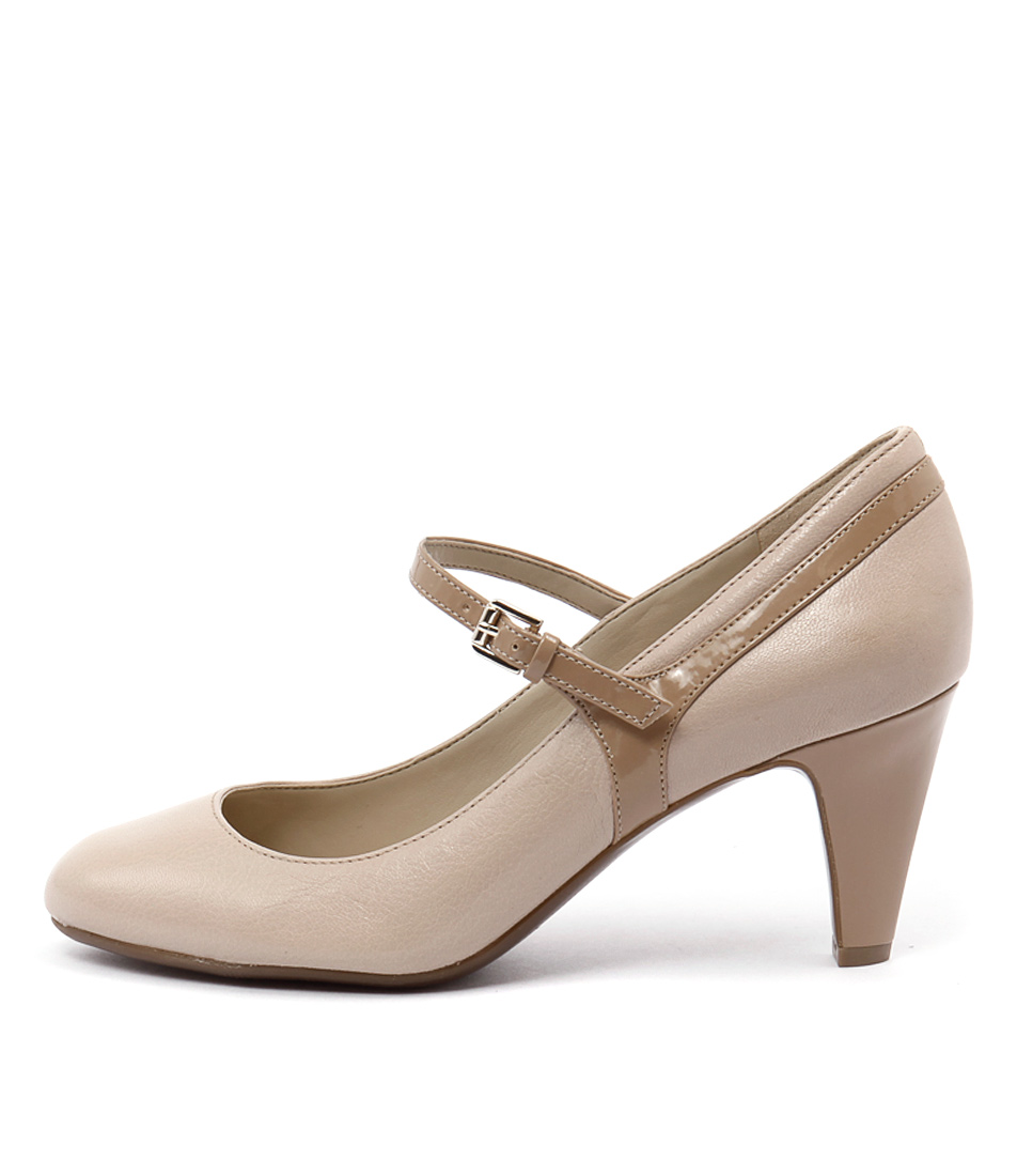 Naturalizer Orianne Taupe Heels