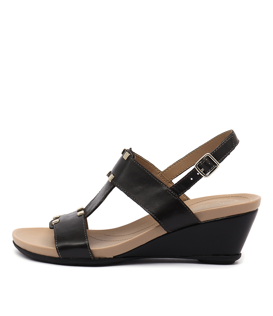 Naturalizer Spring Na Black Sandals