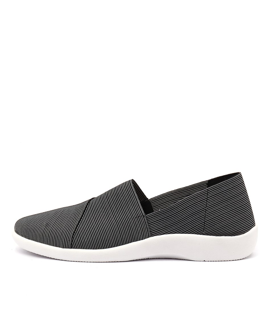 Planet Vina Pl Black Flat Shoes